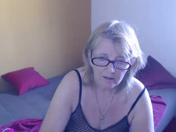 [15-06-21] spicyhoneymilf record video with toys