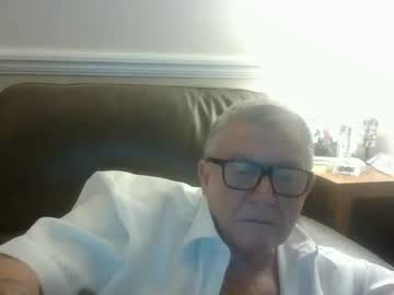 [22-06-19] mikey1943 public show video from Chaturbate