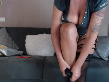[31-08-19] naughtyelle record video with toys from Chaturbate.com