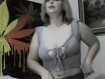 [06-03-21] cassie_johnny record blowjob show from Chaturbate