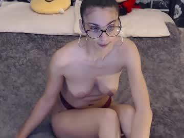 07-03-19 | juliajulesxxx record public webcam video from Chaturbate