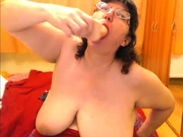 [23-10-21] hugetitsxxx private show video from Chaturbate.com