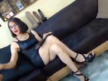 [10-09-20] gianina_cd public show from Chaturbate