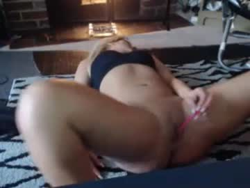 lillyholly chaturbate