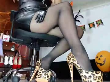[15-10-21] _grehyss_28 record public show from Chaturbate
