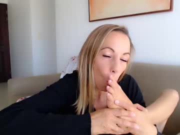 [13-12-20] ladylalabuy blowjob video from Chaturbate.com