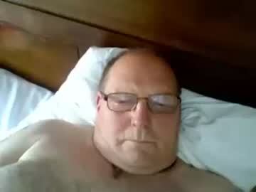 [02-08-19] johnnycock200 record public show video from Chaturbate
