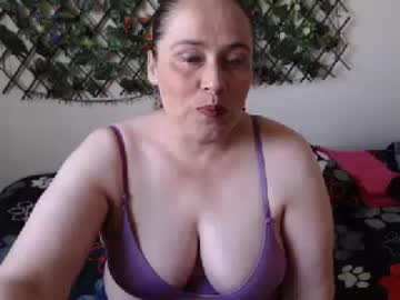 19-01-19 | candys52 video with toys from Chaturbate.com