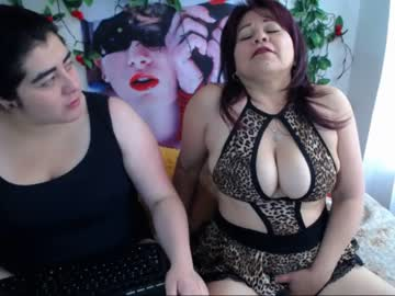 [12-08-19] isabella_hotxxx record public show from Chaturbate