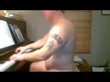 20-01-19 | ohyea2a public show from Chaturbate