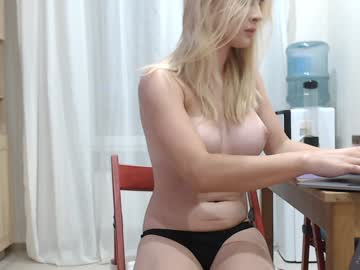[01-09-19] angel002418 public show from Chaturbate.com