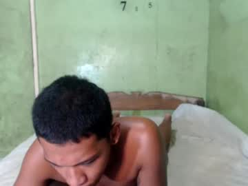 [21-08-21] pinoyhugecock19 public webcam video from Chaturbate