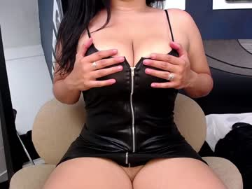 [08-02-21] shayraevans video with toys