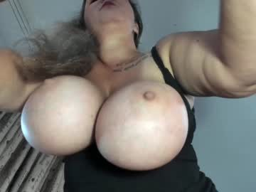 [09-09-21] hot_bounce_boobs show with toys from Chaturbate