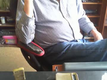 [05-08-19] russ27uk cam video from Chaturbate.com