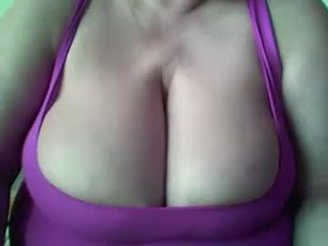 [27-05-20] 2naturalboobs record public show video from Chaturbate