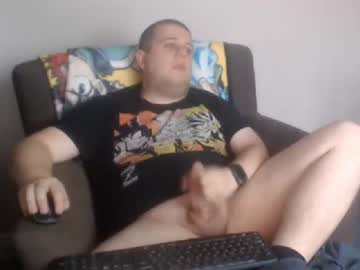 [13-10-20] hugechris30 cam show from Chaturbate