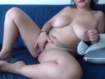 [05-09-21] latiinsquiirt_ record show with cum from Chaturbate