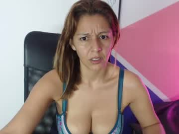 [18-09-21] sexy_hellen_ public show video from Chaturbate.com