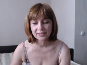 [29-05-20] juliarobertsen webcam video