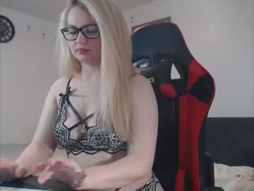 [04-01-21] maddie_sean chaturbate show with toys