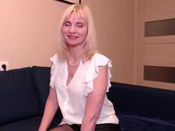 [22-04-21] ladalace record show with toys from Chaturbate.com