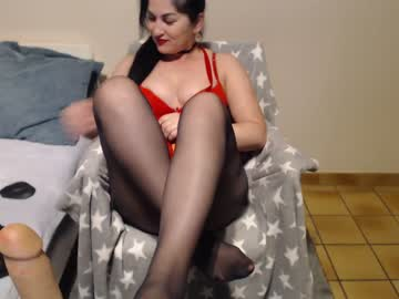 [15-11-19] julliemilf record video with toys from Chaturbate.com