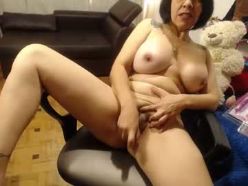 [17-05-21] evva_mature blowjob video