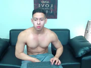 [04-09-19] christopher_w nude