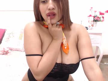 [10-04-19] juliana__salome video with toys