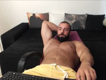 [15-08-19] muscle0max public show from Chaturbate