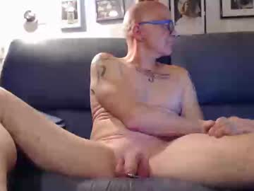 [20-10-19] juergen_muenster record video with toys