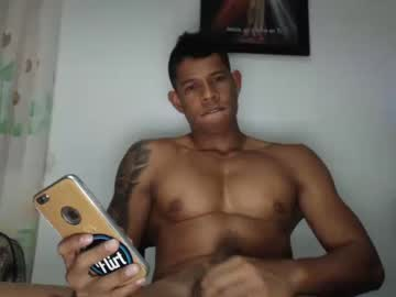 [05-06-19] andy_max1 record video with toys from Chaturbate