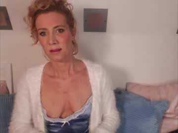 [27-09-19] lola1981 private show video from Chaturbate
