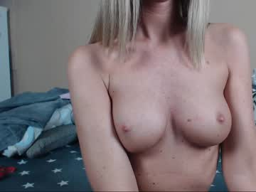 [19-04-19] melanien video with toys from Chaturbate.com