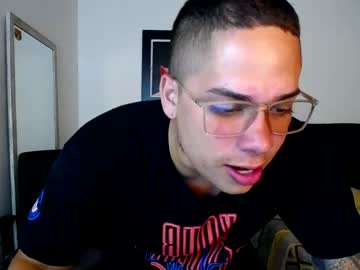 [08-04-21] apolotux20 private show from Chaturbate.com