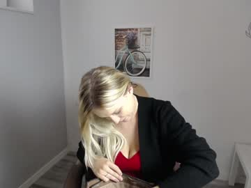 [21-09-21] kinky_licious record cam show from Chaturbate.com