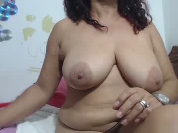 [24-05-21] horny_mommy17 record private show
