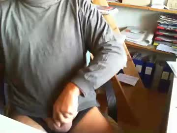 [05-11-20] greyhounddog record premium show video from Chaturbate