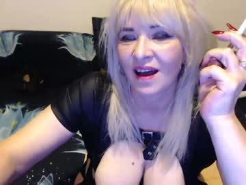 [21-08-20] hotevelin cam video from Chaturbate